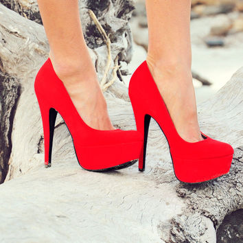 Red As The Reef Pumps: Suede | Hope's