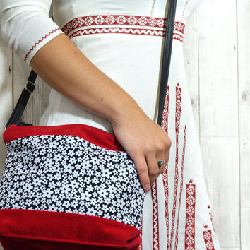 Small everyday bag, Crossbody bag handmade, Cross body bag vegan handbag, Shoulder bag teen purse, Fabric bag, Floral handbag, Red bag