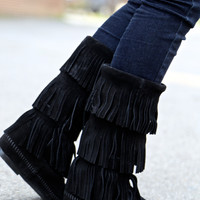Minnetonka 3 Layer Fringe Boot {Black Suede}