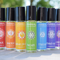 7 Chakra Oils Set - Aromatherapy Blends to Balance Your Chakras - Use During Meditation or Yoga