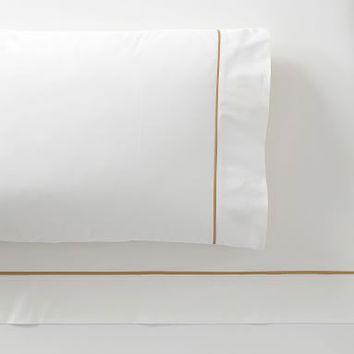 The Emily & Meritt Contrast Trim Sheet Set