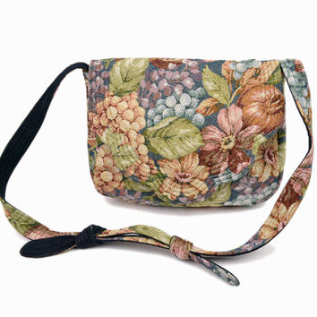 Vintage 90s Needlepoint Tapestry Purse in Floral Grapes & Pomegranates Print / Tapestry Bag