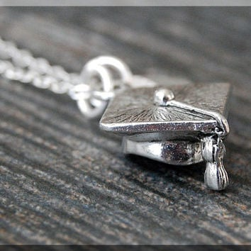 Silver Graduation Cap Necklace, Initial Charm Necklace, Personalized Necklace, Grad Cap Charm Necklace, Graduate pendant, New Grad Jewelry