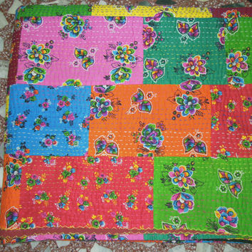 Kantha Quilt Quilted Bedspreads,Throws,Ralli,Gudari Handmade Tapestery REVERSIBLE Indian Cotton Floral Sari Bedding King size 90x108 inch