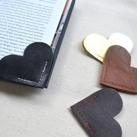 Leather Heart Bookmark – Charming Handmade Book Page Corner Bookmark