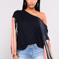 Sherly Off The Shoulder Top - Navy