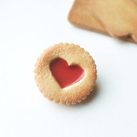 Yummy Cookie Brooch, raspberry, polymer clay, Cookie, BIscuit, Raspberry Jam - Heart shape - food jewellery, Red brooch, BIscuit jewelry