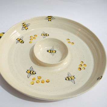 Chip and Dip Dish, Ceramic Honey and Apple Plate, Rosh Hashanah Gifts - Hand Painted Bee Design