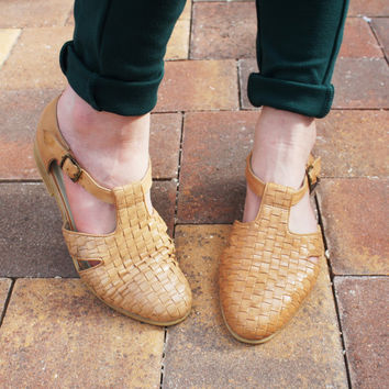 Retro Woven Side Buckle Shoes