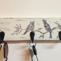 Rustic wall mount key rack with bird graphic, entryway storage key holder, dog leash holder, wall key hooks, key hanger