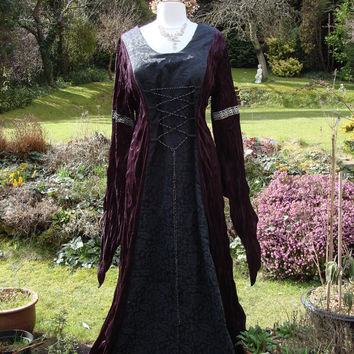 Bespoke burgundy and black goth lotr renaissance medieval pagan  wedding handfasting gown / dress uk 14 to 22 / us 12 to 20