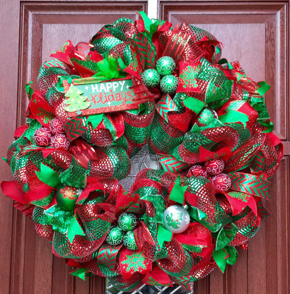 Deco Mesh Christmas Tree Wreath: Deco Mesh Christmas Wreath // Red Green From What's On
