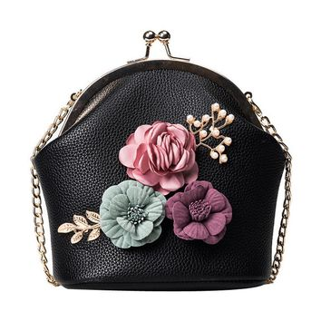 2017 Women Handbag Fashion crossbody messenger bags Retro Style Stereo Flowers PU Leather Shoulder Bag Small Tote bolsa feminina