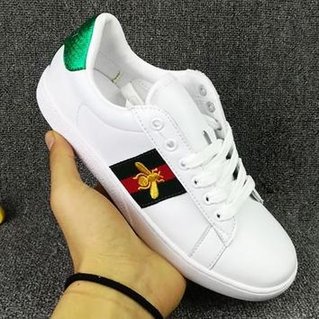 Trendsetter GUCCI Woman Men Fashion Little Bee Embroidery Flats Shoes Sneakers Sport Shoes