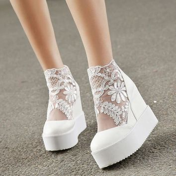 Fashion Sweet Lace Roman Shoes Women Wedge Heels White Platform Pumps High Heels Sandals zapatos plataforma mujer encaje 34-39