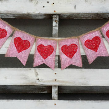Hearts Burlap Banner, Valentines Burlap Banner, Valentines Photo Prop, Rustic Wedding Decor, Valentines Wedding