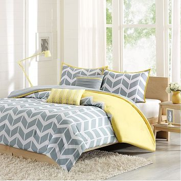 Twin/Twin XL 4-Piece Chevron Stripes Comforter Set in Gray White Yellow