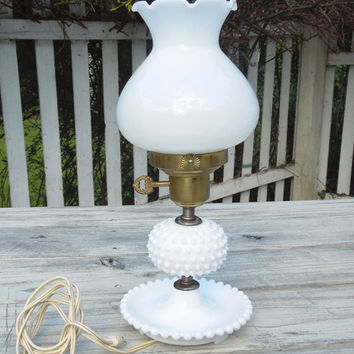 Vintage hobnail milk glass lamp - Hobnail glass lamp - Night stand lamp - Vanity lamp - Cottage chic lighting decor