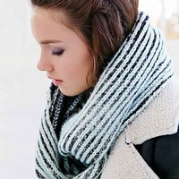 Verloop Ribbed Two-Tone Eternity Scarf- Black Multi One