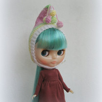 Blythe helmet hat knitted hat for Blythe doll hand knit fantasy cap blythe outfit gnome hat, pixie hat, beanie, multicolor