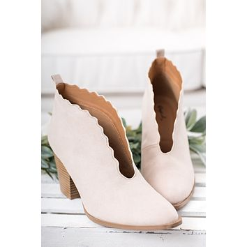 Tayen Scalloped Bootie (Beige)