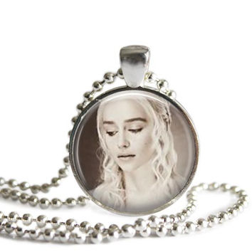 Game of Thrones Daenerys Targaryen Silver Plated Picture Pendant Necklace