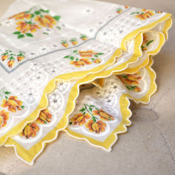 1950s Yellow Printed Handkerchief Bridal Accessory