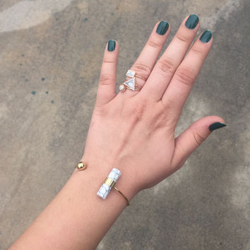 Chic Marbled Bracelet and Rings