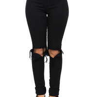 VIBRANT MIU SKINNY JEAN WITH KNEE RIPS