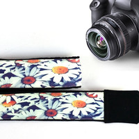 Flowers  Camera Strap. Daisies Camera Strap. Floral  Camera Strap. Camera Accessories