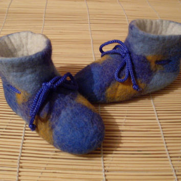 Handmade Felt Baby Slippers Booties Blue Yellow by zinafelt