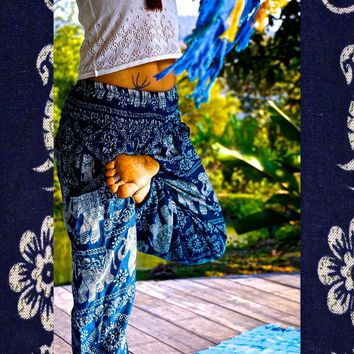 Elephant Pants // Hippie Pants // Harem Pants // Bohemian Clothing // Boho Chic // Yoga Pants // Meditation Pants Day-First™