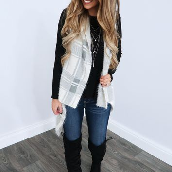 Warms My Heart Vest: Grey/Off White