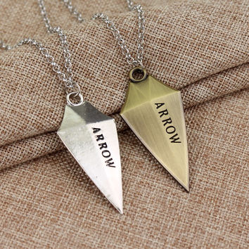 Hot movie 3D DC Comic Green Arrow Logo Oliver Queen Hero TV Pendant Necklace fashion Cosplay jewelry Christmas birthday gift