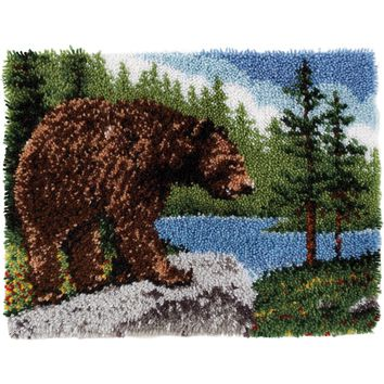"Grizzly Bear Wonderart Classic Latch Hook Kit 20""X30"""