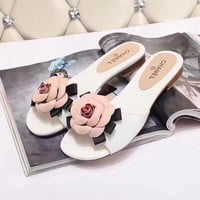 CHANEL  Fashionable casual slippers
