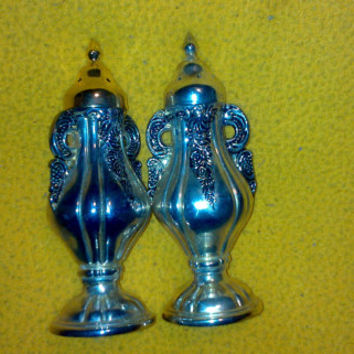 Vintage 1991 GSA Nice Quality Silver Plated Salt and Pepper Shakers