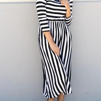 White-Black Striped Print Plus Size 3/4 Sleeve High Waisted Midi Dress
