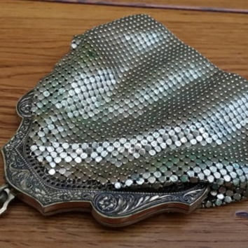 Vintage 1920s Art Deco Gold Metal Mesh Petite Whiting Davis Purse Evening Bag Clutch