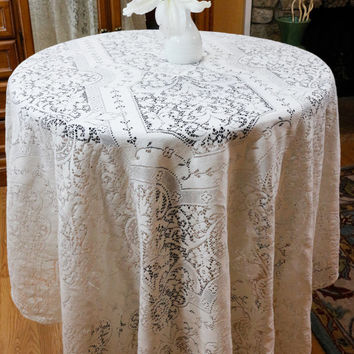 Quaker Lace Style Tablecloth, Large Ivory Lace Tablecloth, Ivory Lace Bed Cover, Shabby Chic, Cottage Chic Decor, Vintage