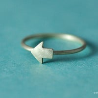 Tiny Arrow Ring
