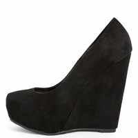 Breckelle's Berry-01w Black Suede Wedges | MakeMeChic.com
