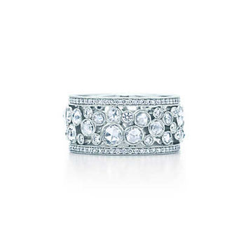 Tiffany & Co. - Tiffany Cobblestone band ring in platinum with diamonds, 20 mm wide.
