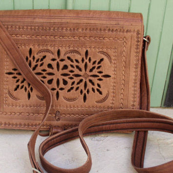 Leather Saddle Bag, Cross Body Bag, Leather Bag, Cross-body Bag, Women Handbag, Vintage style saddle bag,embossed bag