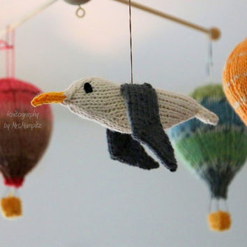 Seagull, handknit mobile hangers, maritime decoration, spring gift and decoration, gift for kids and adults, baby shower