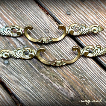 Victorian Pull French Provincial Solid Brass Pulls with White Antiquing Ornate Scroll Long Drawer Handles Hardware for Furniture