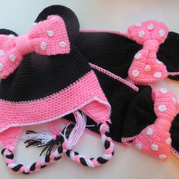 Minnie Mouse Crochet Hat and  Scarf, Fleece Lining, Free shippin