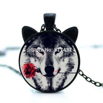 CN-00785 2017 black painting Wolf With rose Flower Necklace cameo animal metal Pendant Personalized Picture Jewelry tattoo