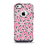 The Pink and Black Vector Floral Pattern Skin for the iPhone 5c OtterBox Commuter Case