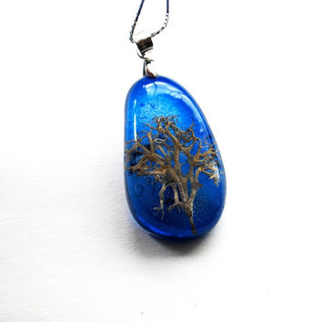 Midnight Blue Tree Necklace Real Woodland Moss Specimen Necklace Resin Jewelry Miniature Tree Small Pebble Shape